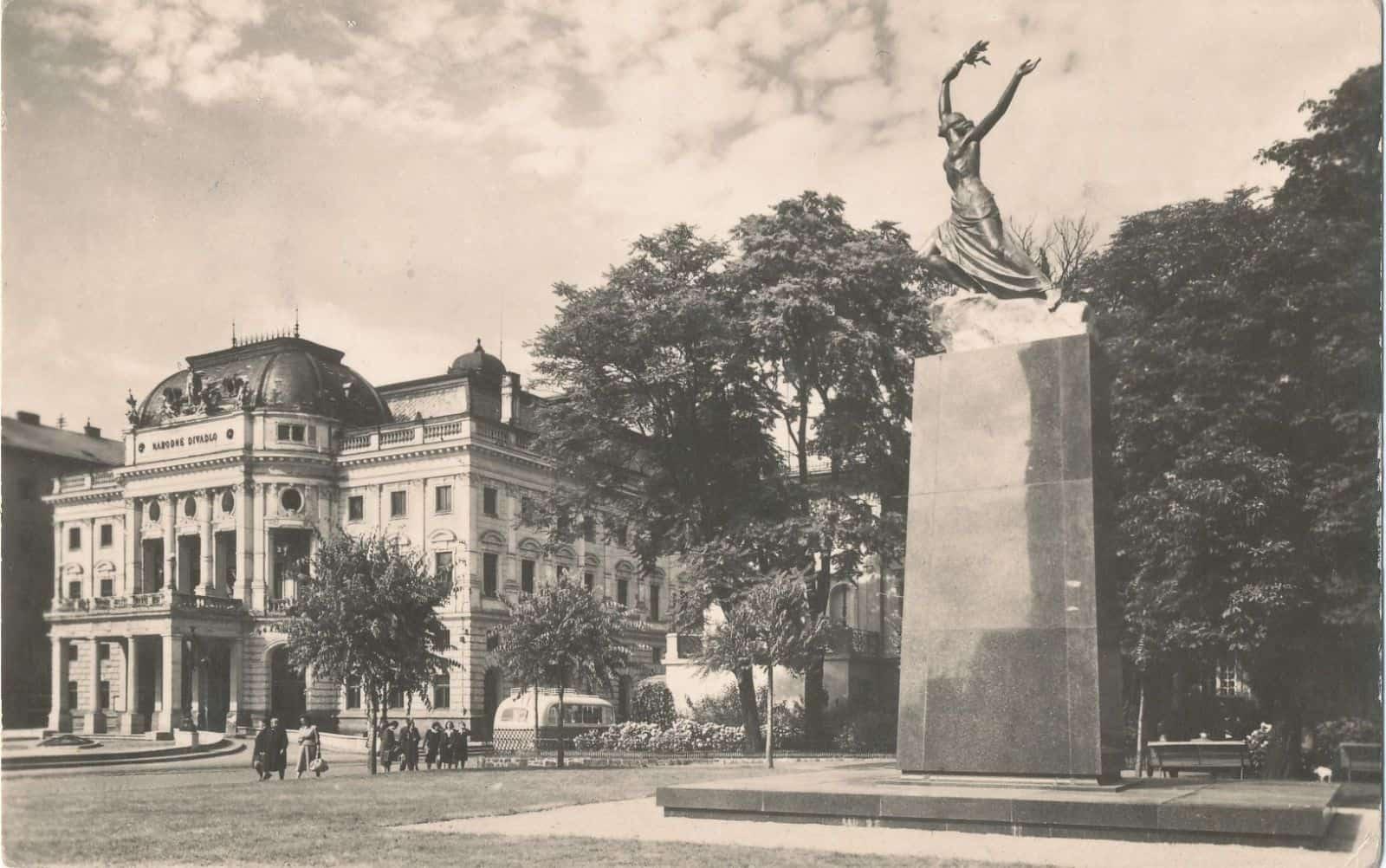 Autor: 1954, Bratislava historické fotografie / Kronika Slovenskej republiky