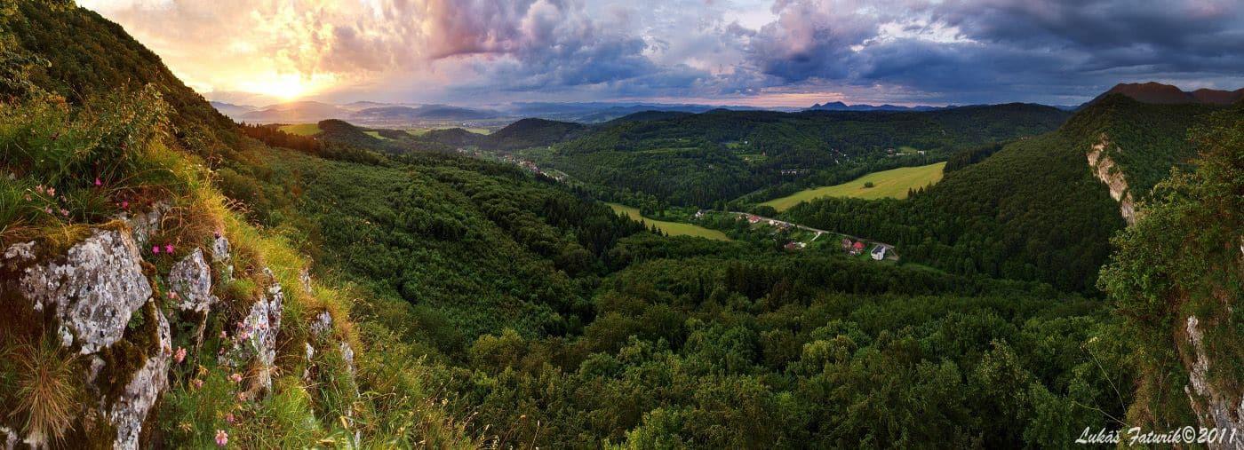 Autor: Lukáš Faturík © 2013 / http://luko.sk _Panorama_Belusske_vrata_Strazovske_vrchy