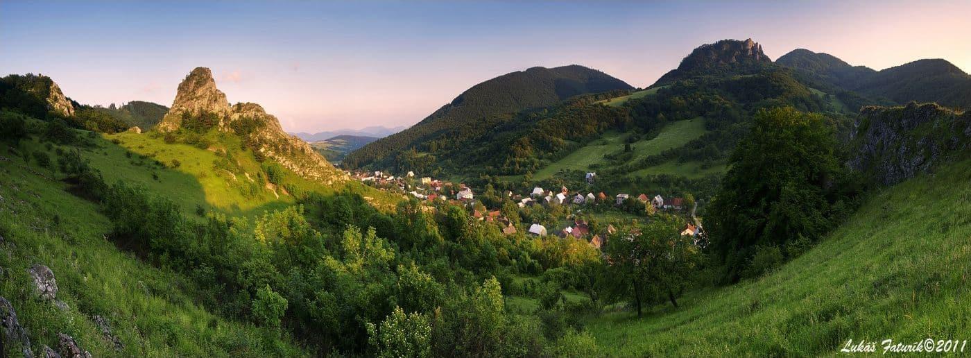 Autor: Lukas_Faturik_Panorama_Cerveny_Kamen_Biele_Karpaty