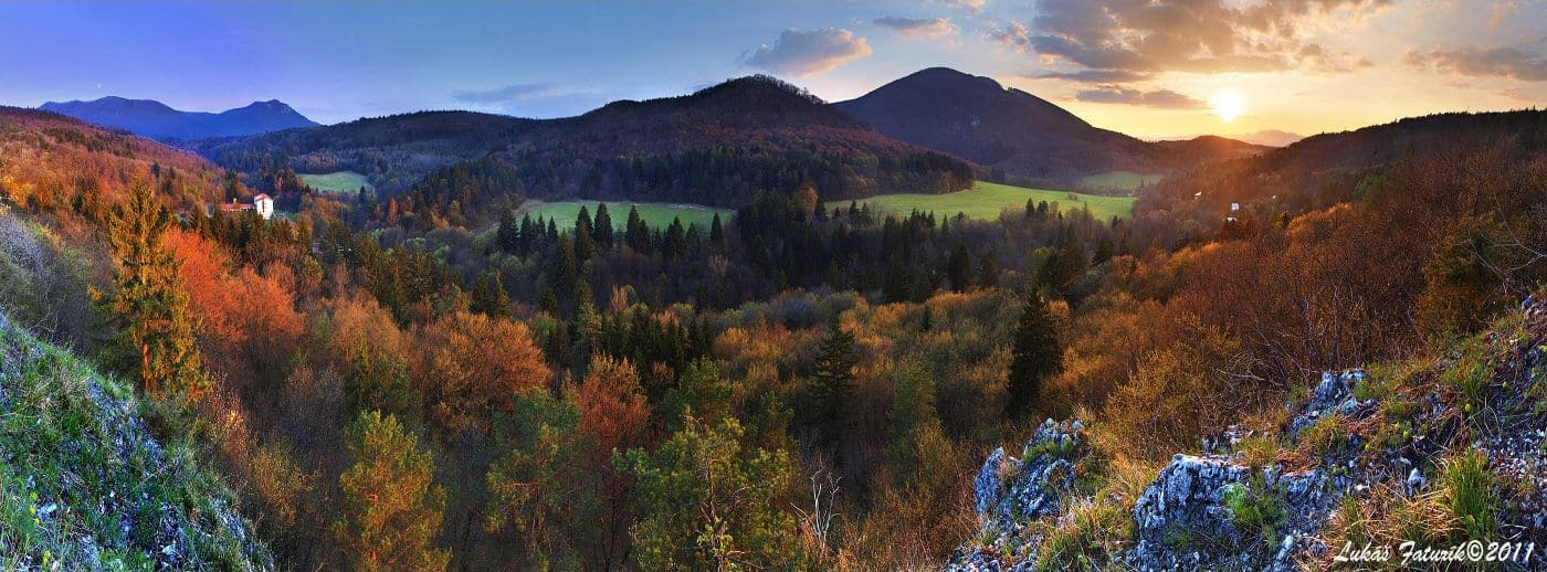 Autor: Lukáš Faturík © 2013 / http://luko.sk _Panorama_Pod_Jeleniou_skalou_Strazovske_vrchy