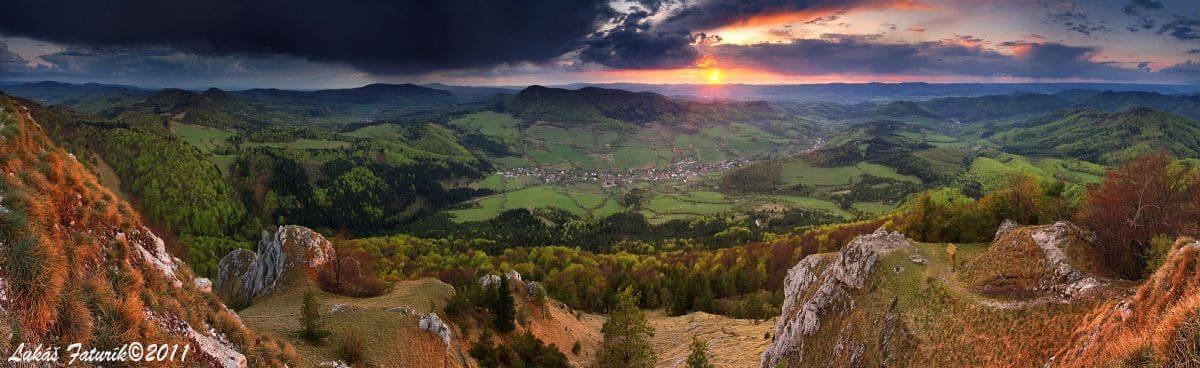 Autor: Lukáš Faturík © 2013 / http://luko.sk _Panorama_Z_Vapca_Strazovske_vrchy