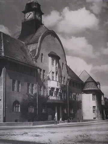 Autor: Pohlad_na_budovu_radnice_z_50__rokov Košice historické fotografie / Kronika Slovenskej republiky